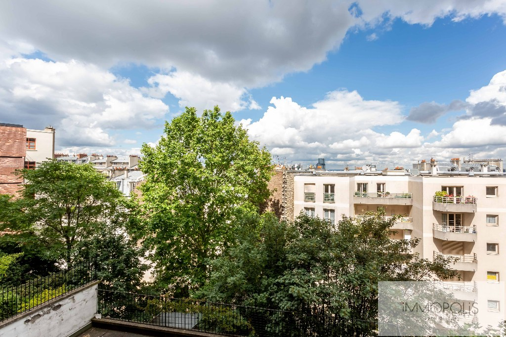 Montmartre, rue Caulaincourt, beautiful apartment of 76 M² on the 2nd floor with elevator, beautiful volumes! 6