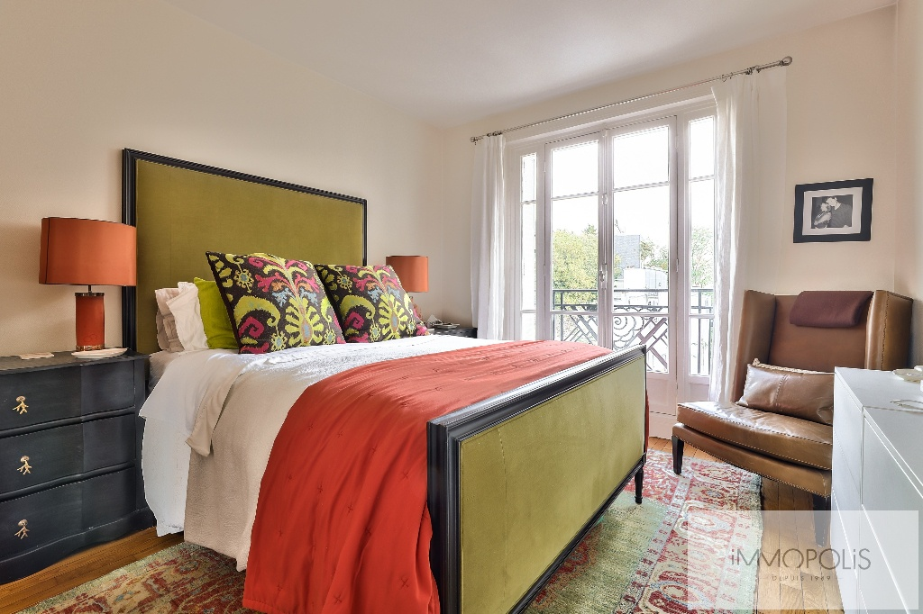 Rare à Montmartre, superbe appartement en étage élevé avec ascenseur et vues dégagées ! 7