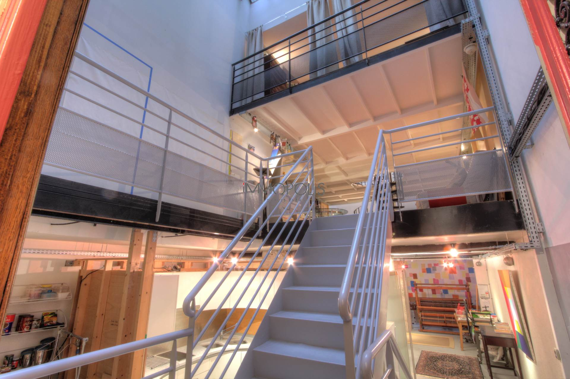 Totally atypical LOFT / ARTIST WORKSHOP, in OPEN-SPACE on three levels with TWO GLASS ROOMS overlooking a quiet courtyard! 2