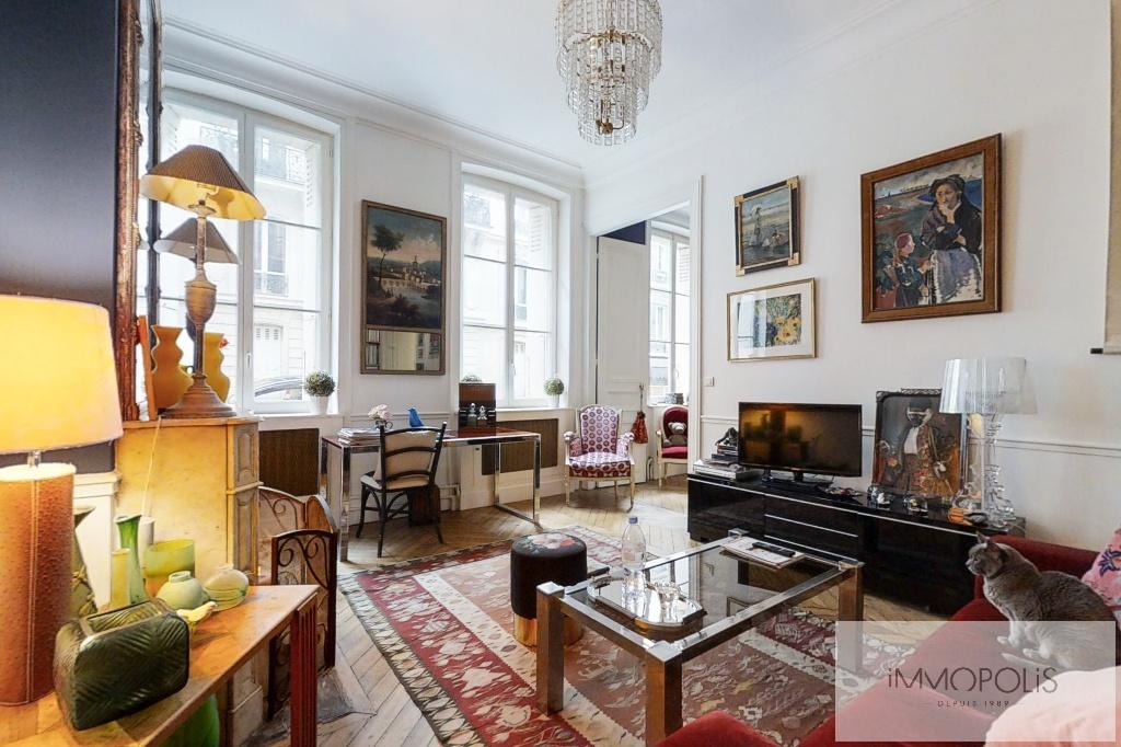 Appartement de charme, rue Moncey, Paris IX. 3