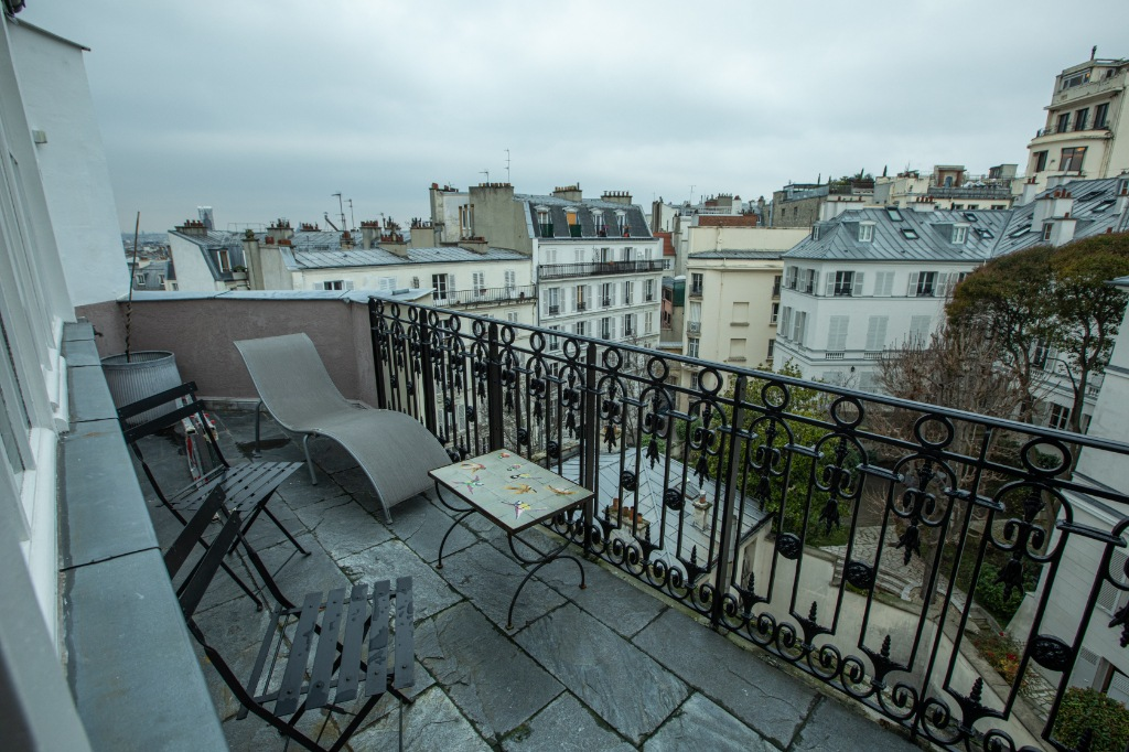 Appartement Paris 3 pièce(s) 103 m2 1