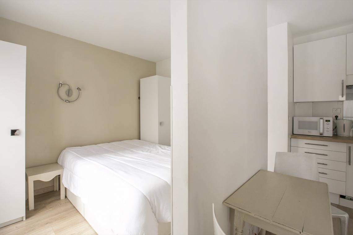 Studio meublé à louer – 22 m² –  Montmartre, Paris 75018 6