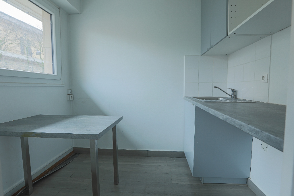 Paris apartment 4 room (s) 88 m2 4