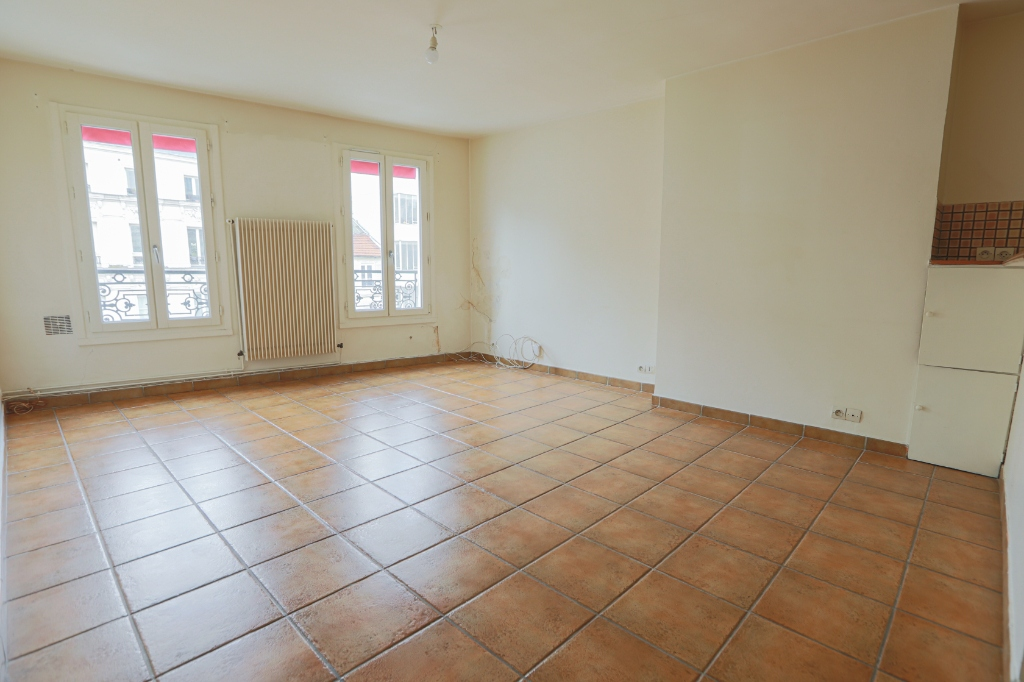 ABBESSES sector – 84M² 4 ROOMS 3 BEDROOMS SOUTH 3rd FLOOR 4