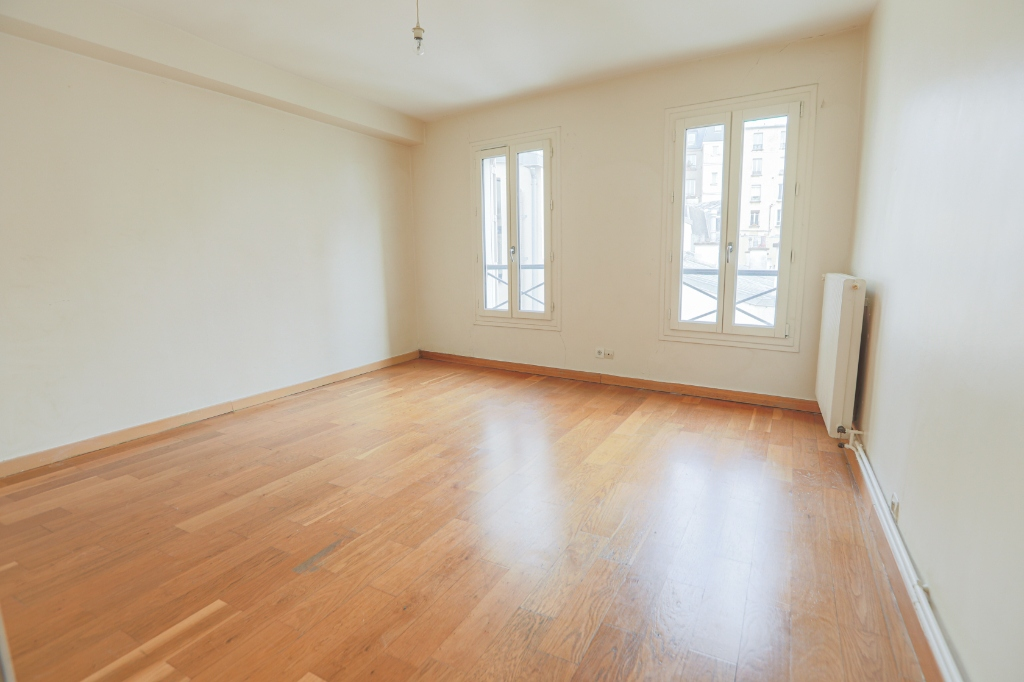 ABBESSES sector – 84M² 4 ROOMS 3 BEDROOMS SOUTH 3rd FLOOR 7