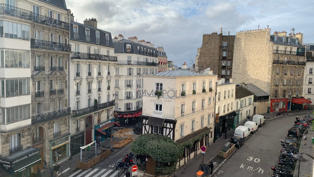 ABBESSES- 4 Rooms of 85M ², LAST FLOOR, 3 South facing bedrooms !!! 1