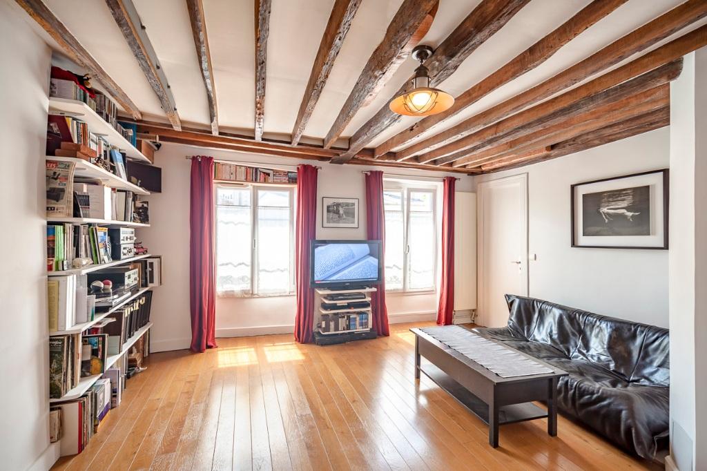 Charmant appartement en plein coeur des Abbesses 1