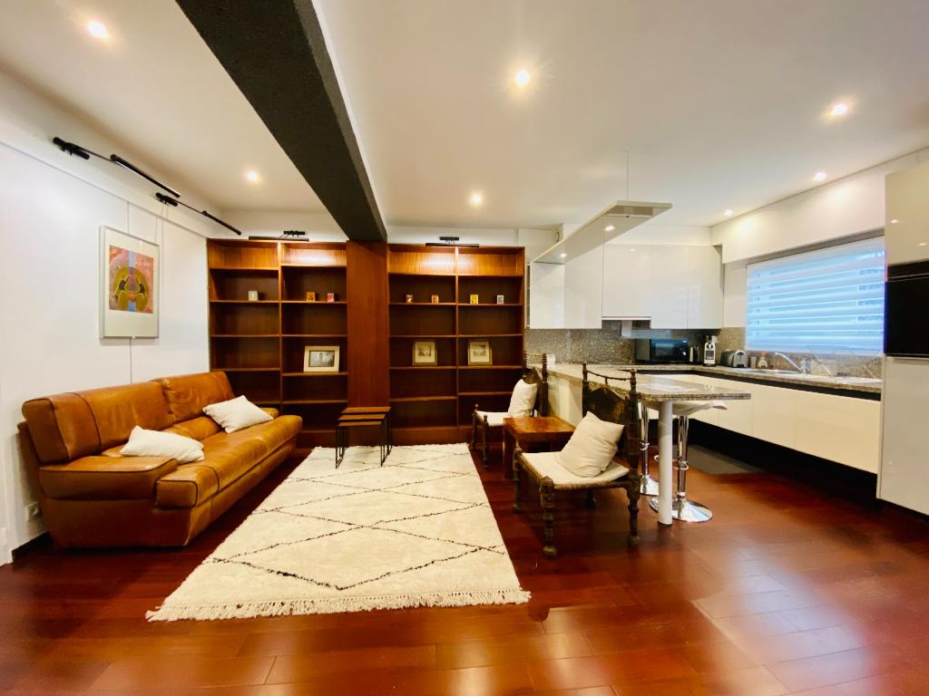 Appartement Paris 2 pièce(s) 51 m2 2