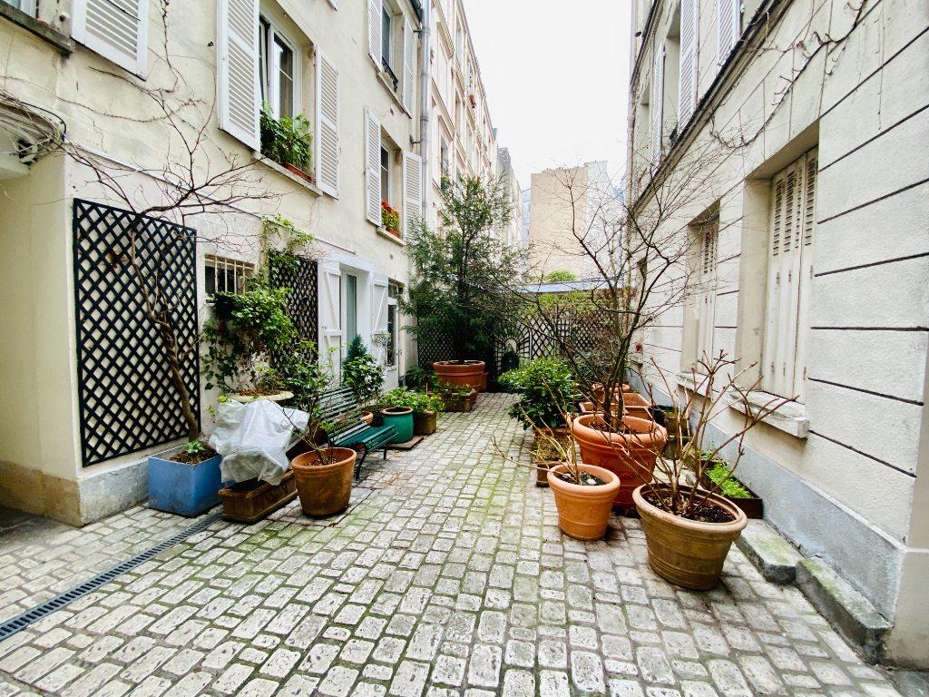Appartement Paris 2 pièce(s) 51 m2 9