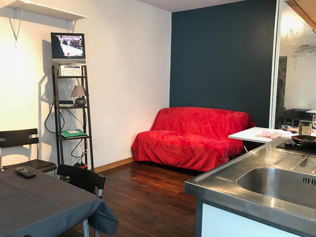 Apartment Montmartre Paris 18 – 1 room – 16 m2 1
