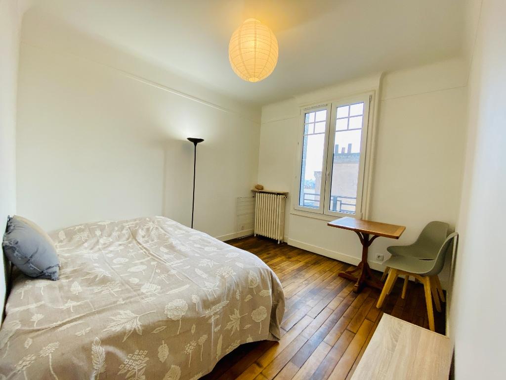 Furnished studio with elevator – 22m² – MONTMARTRE – Paris 18th 1