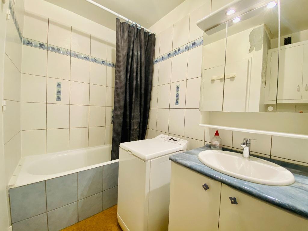 Apartment PARIS 18 – 1 room (s) – 34 m2 7