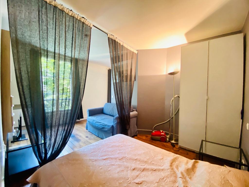 Paris apartment 2 room (s) 31.28 m2 3