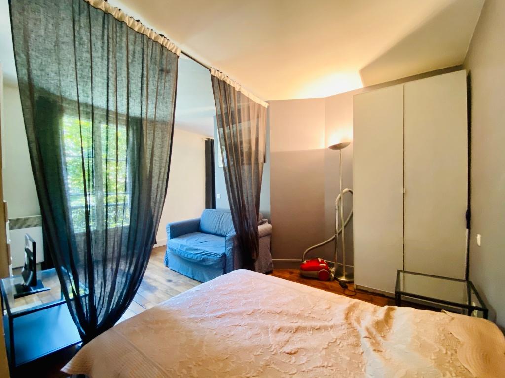 Paris apartment 2 room (s) 31.28 m2 4