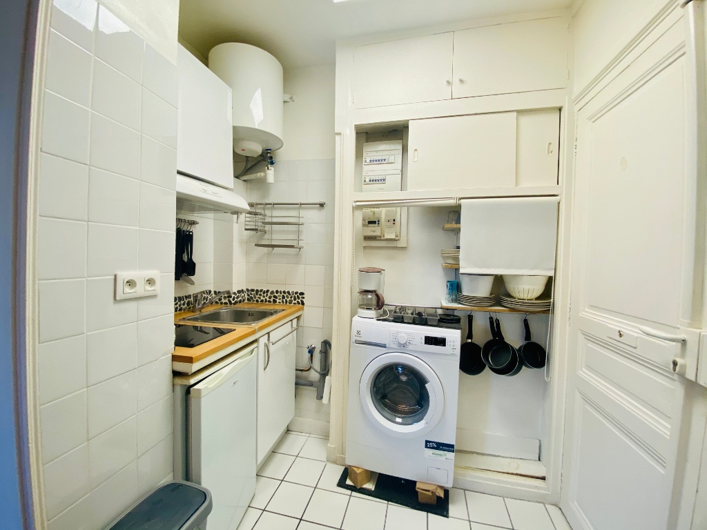 Paris apartment 2 room (s) 31.28 m2 7