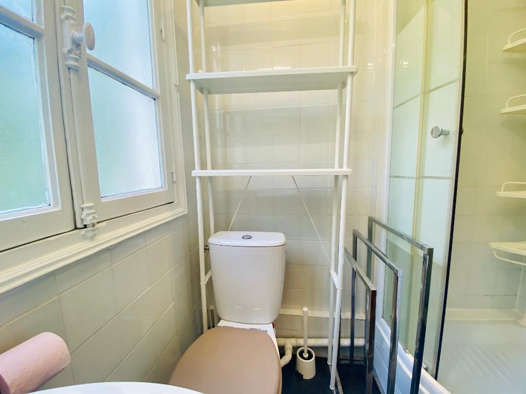 Paris apartment 2 room (s) 31.28 m2 8