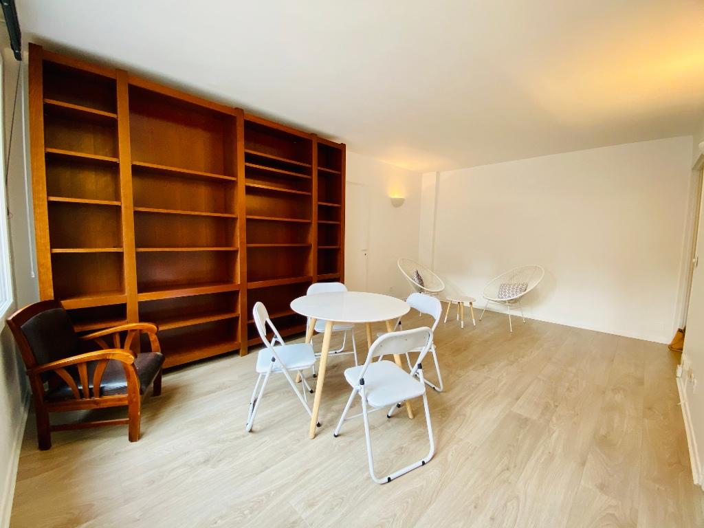 Apartment Montmartre Paris 2 room (s) furnished 50 m2 2