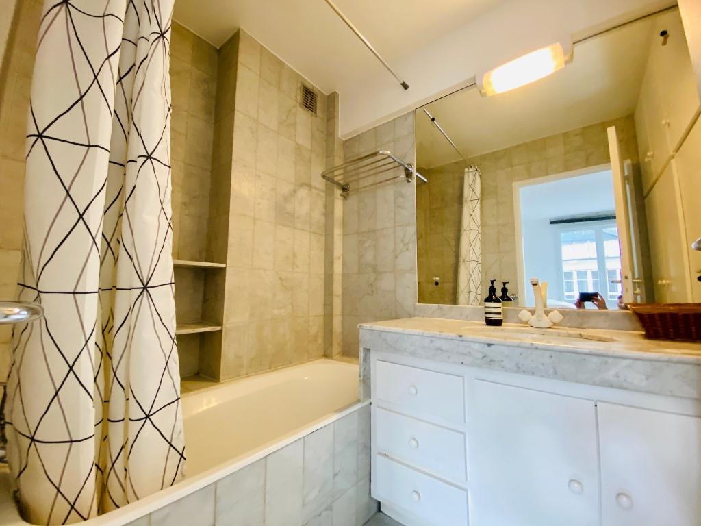 Apartment Montmartre Paris 2 room (s) furnished 50 m2 9