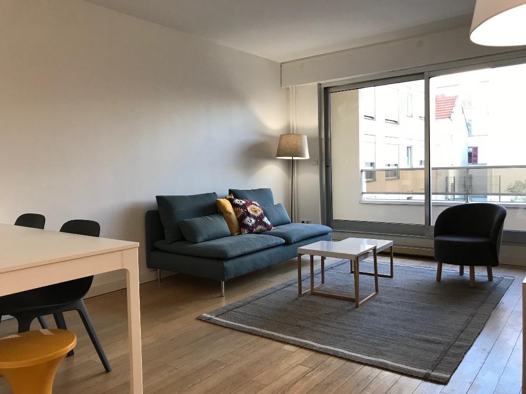 Appartement Paris 75011; 3 pièce(s) meublé 65 m2 5