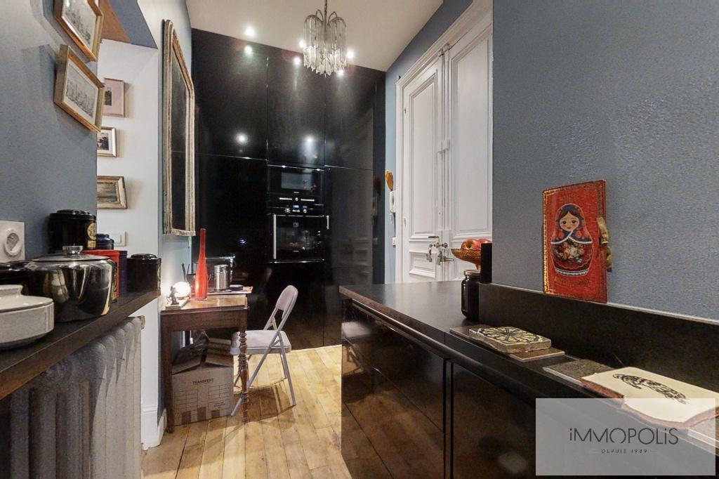 Appartement de charme, rue Moncey, Paris IX. 8