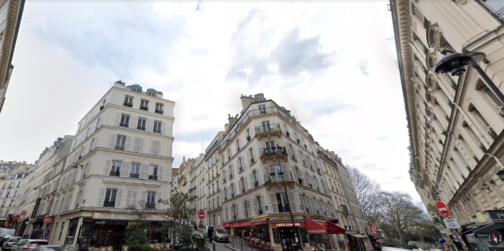 Business at Abbesses: good deal because very low rent and recovery! 1