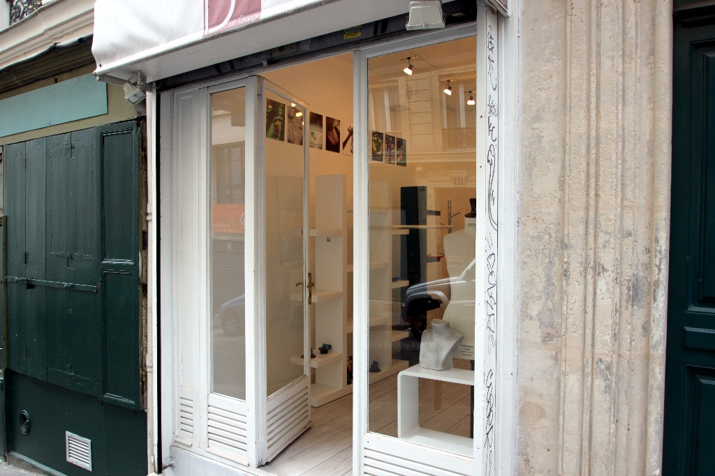 Business at Abbesses: good deal because very low rent and recovery! 7
