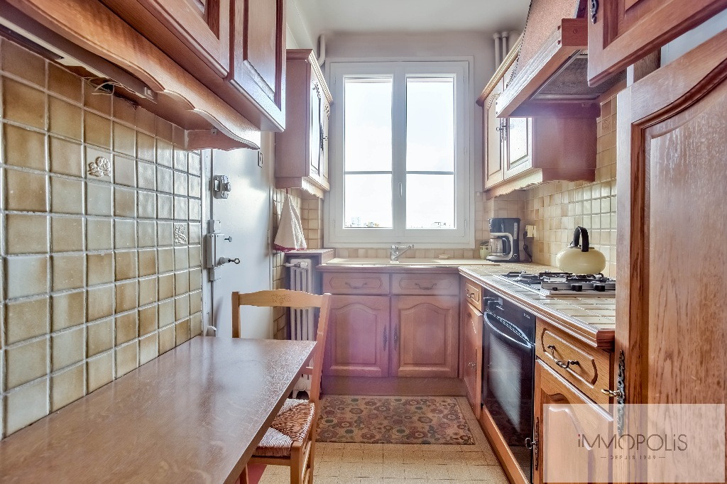 Montmartre, rue Caulaincourt, beautiful apartment of 76 M² on the 2nd floor with elevator, beautiful volumes! 8