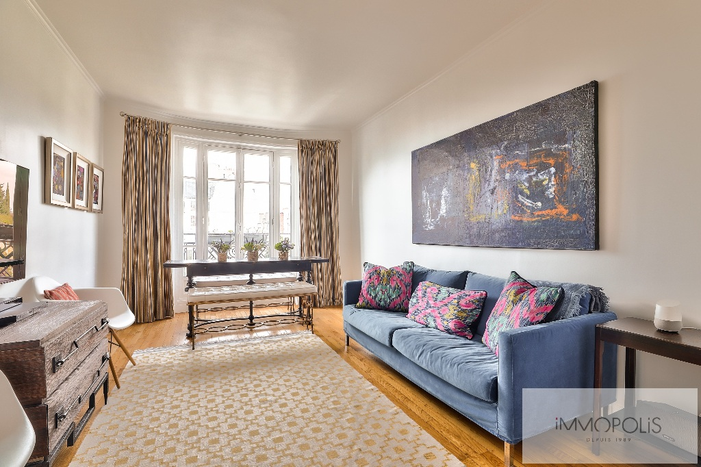 Rare in Montmartre, superb apartment on a high floor with elevator and unobstructed views! 2