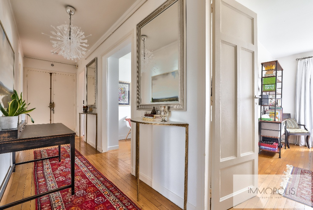 Rare in Montmartre, superb apartment on a high floor with elevator and unobstructed views! 6