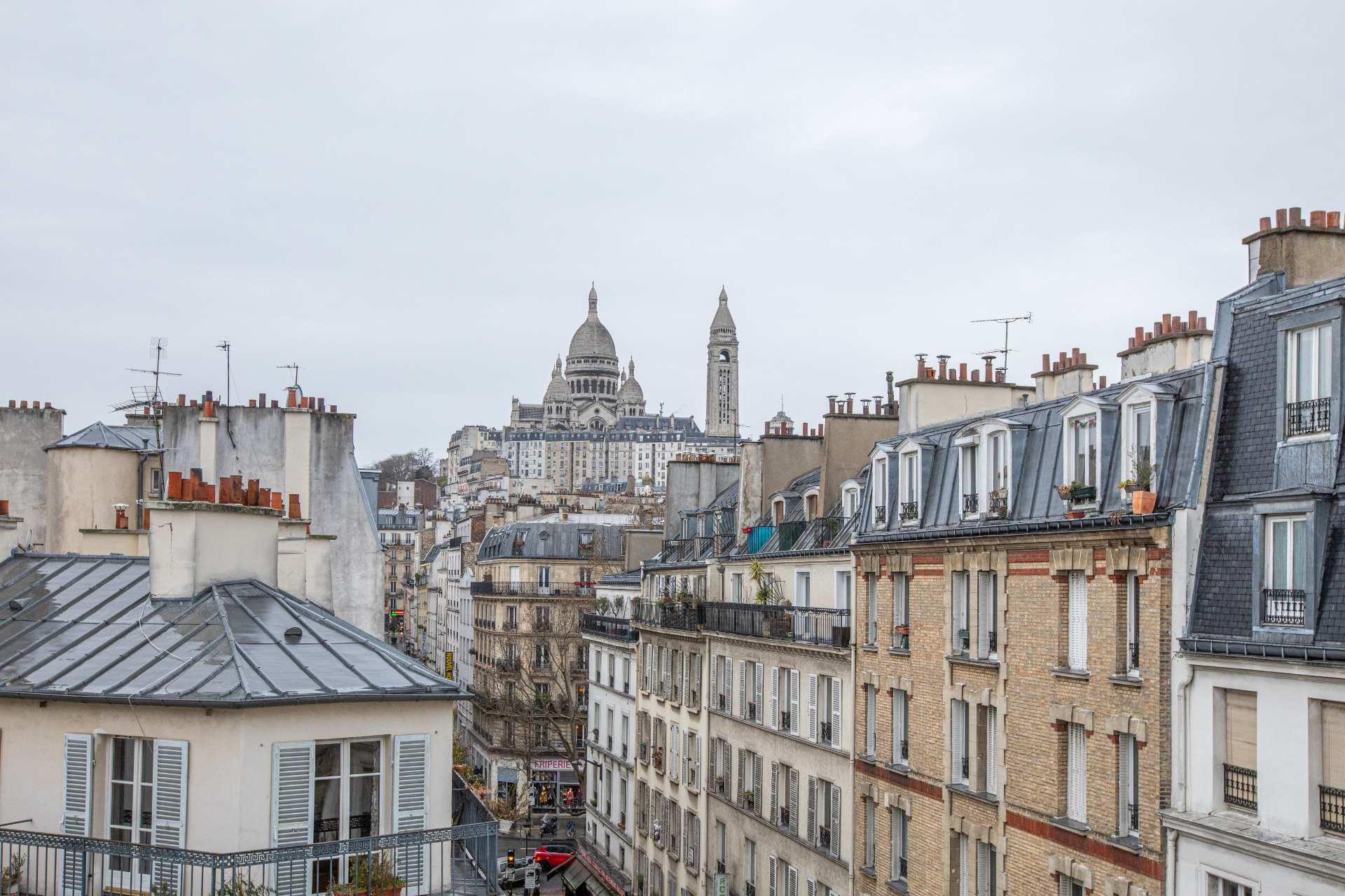 Nice 2 rooms rue Poissonniers view Sacré-Coeur 1