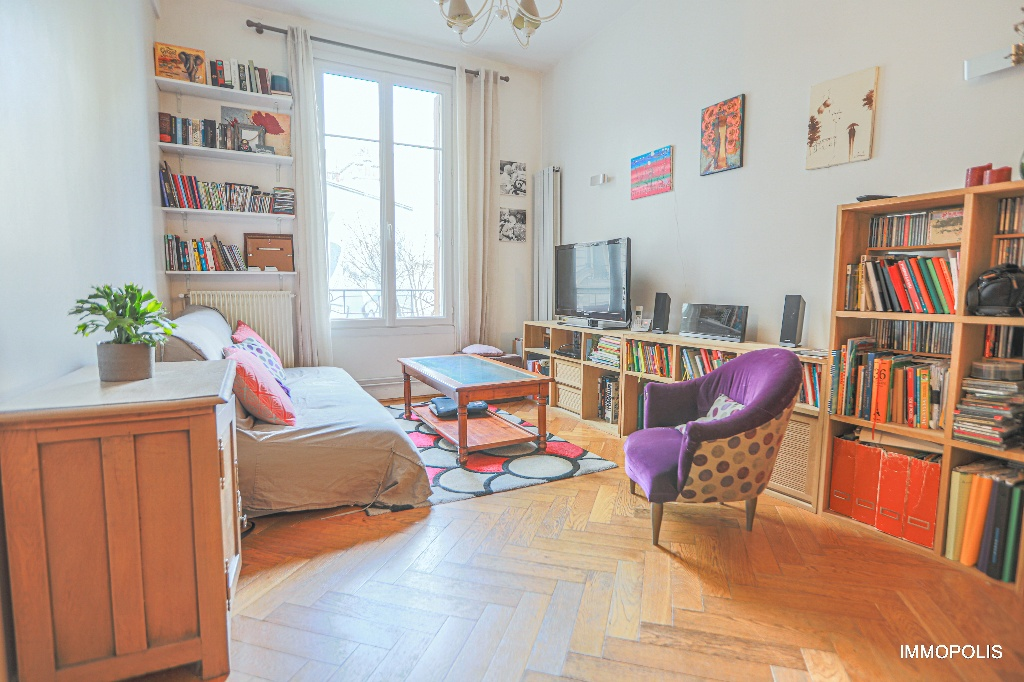 Paris apartment 3 room (s) with the right to the exclusive use of a 110m² terrace 2