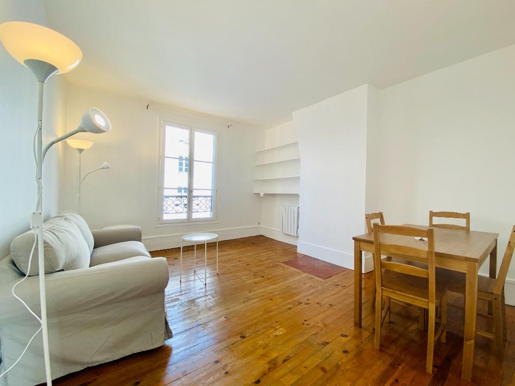 Paris apartment 2 room (s) 34.77 m2 1
