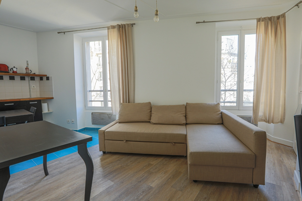 Bright 2-room apartment of 28m² between Guy Moquet and La Fourche 1