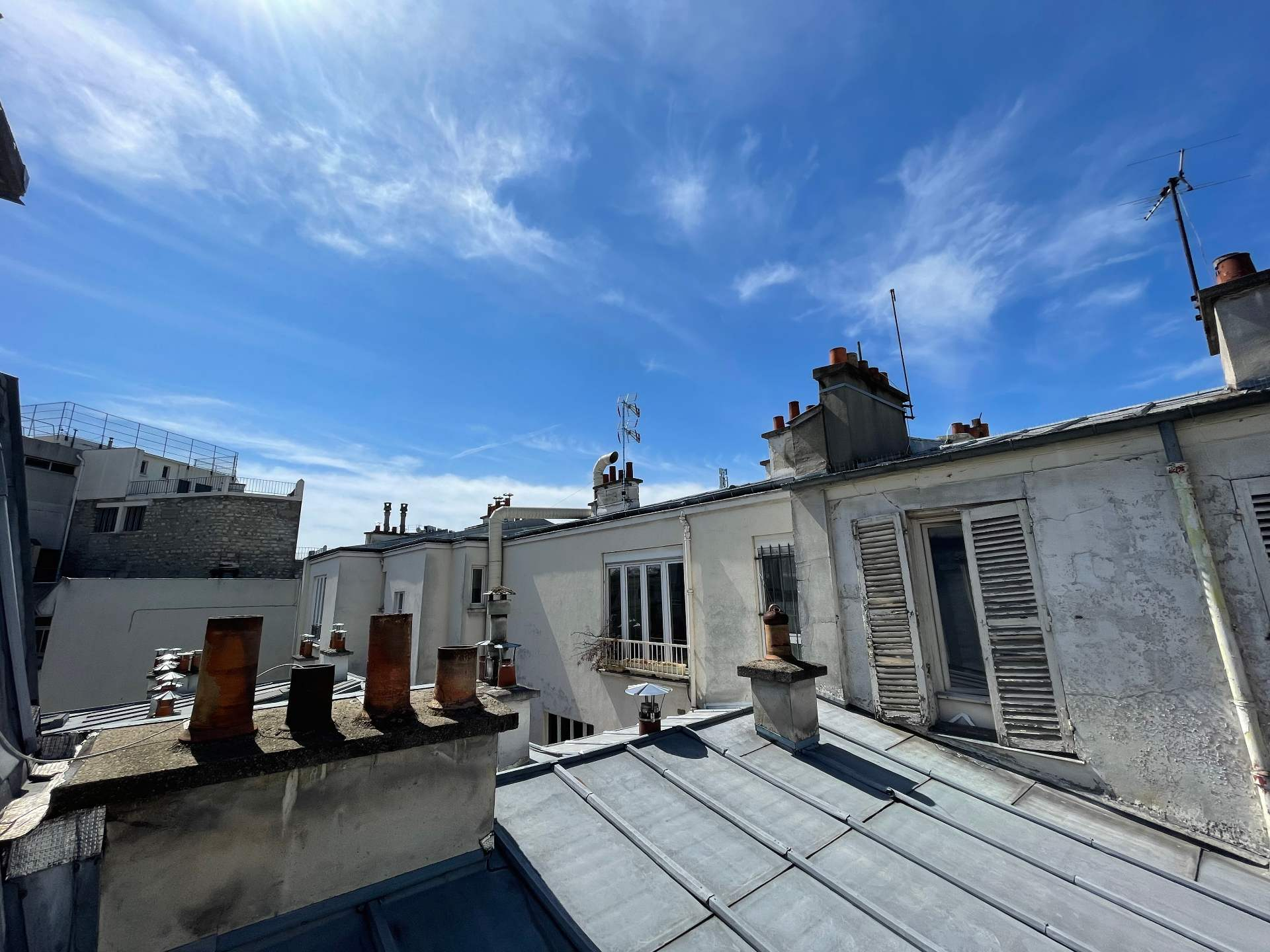 Exclusivity: Montmartre, very nice apartment renovated by architect in 4th and last floor! 2