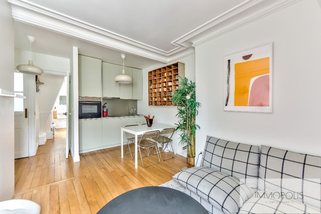 Exclusivity: Montmartre, very nice apartment renovated by architect in 4th and last floor! 4