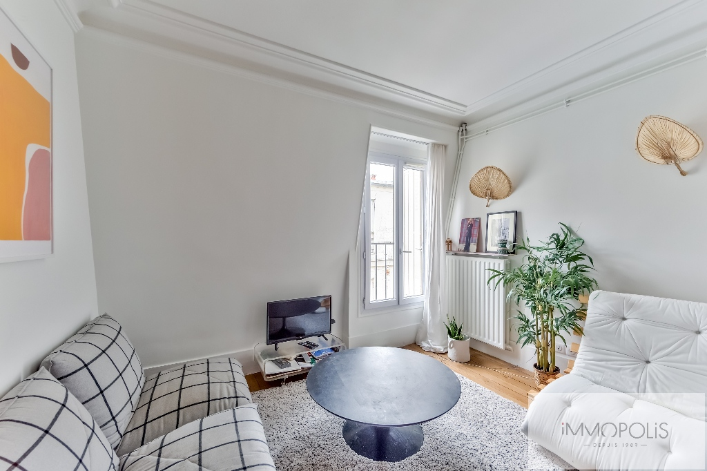 Exclusivity: Montmartre, very nice apartment renovated by architect in 4th and last floor! 9