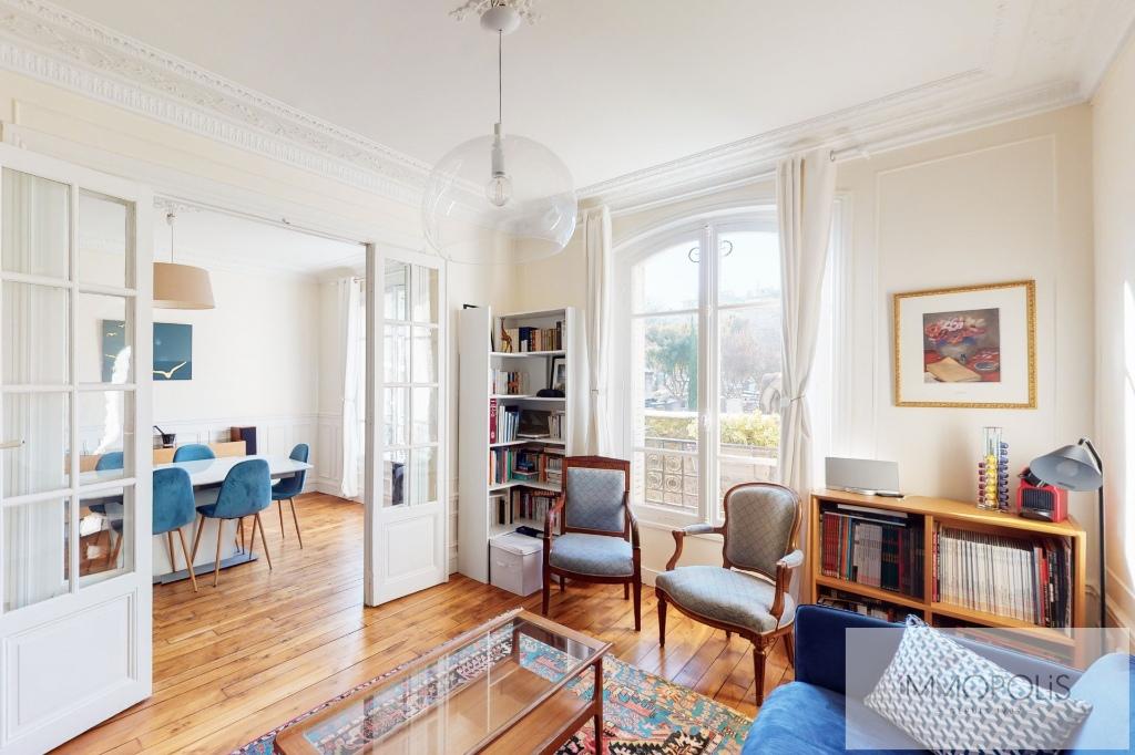 RUE DES SAULES Apartment Paris 4 room (s) / 2 bedrooms 66m2 1