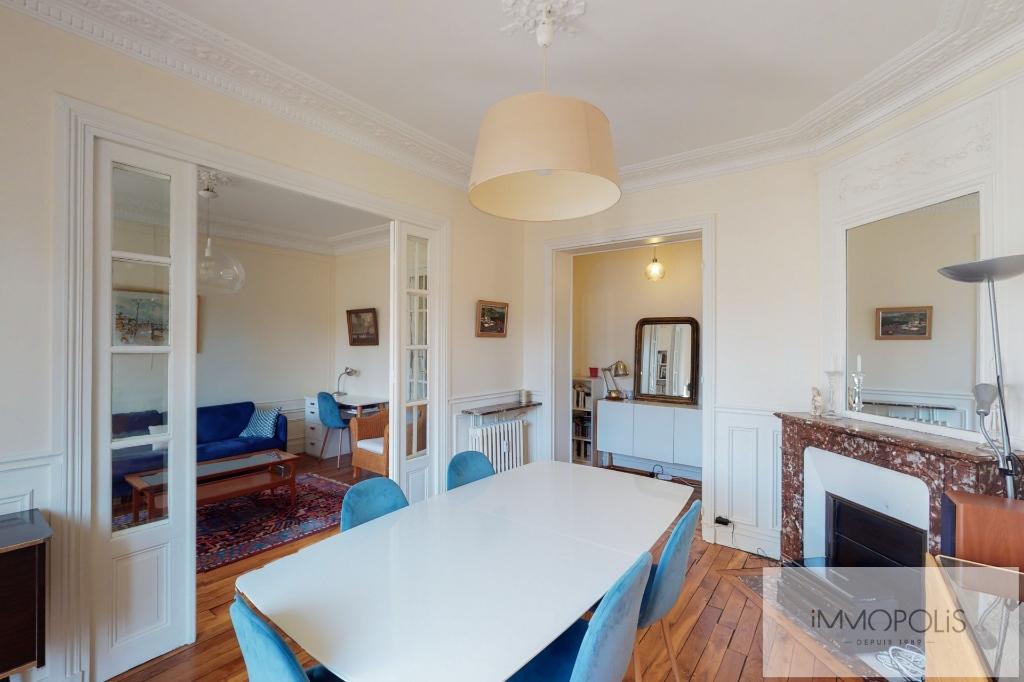 RUE DES SAULES Appartement Paris 4 pièce(s) / 2 chambres 66m2 3