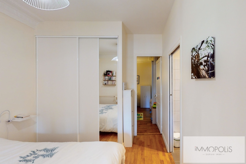 RUE DES SAULES Appartement Paris 4 pièce(s) / 2 chambres 66m2 6