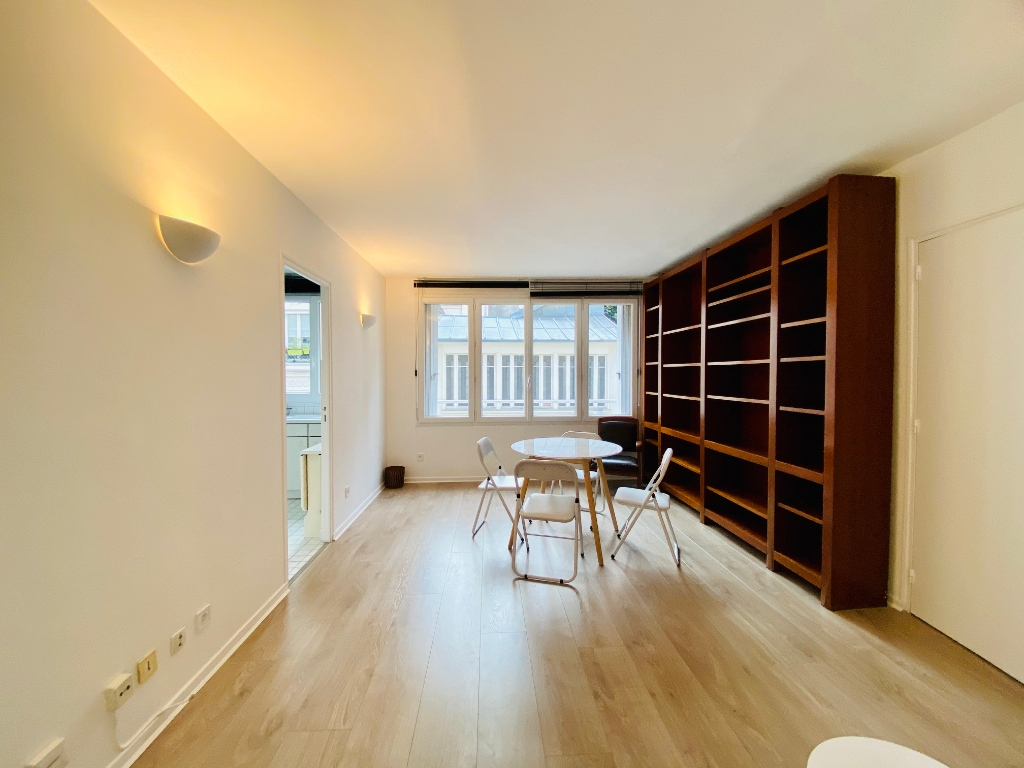 Apartment Montmartre Paris 2 piece (s) furnished 50 m2 1