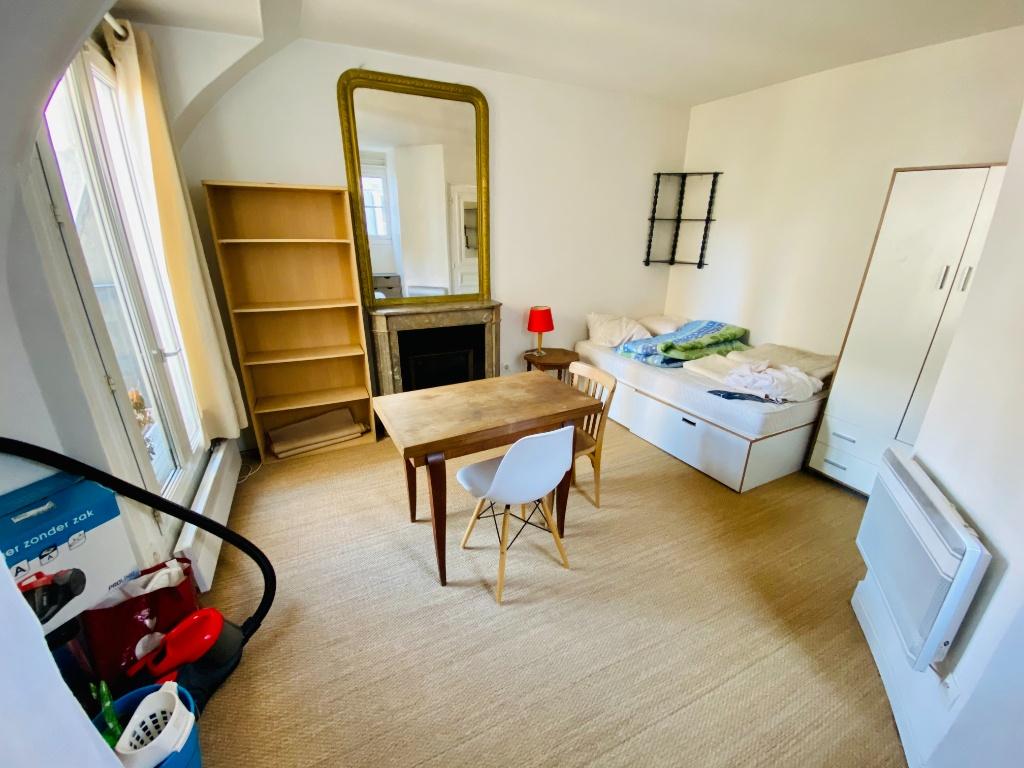 Appartement PARIS 18 – 1 pièce(s) – 18m² 1