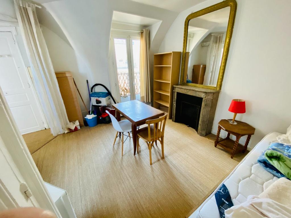 Appartement PARIS 18 – 1 pièce(s) – 18m² 2