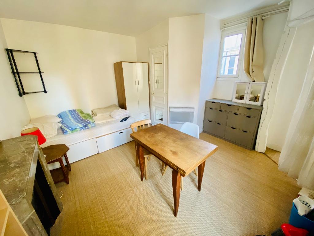 Appartement PARIS 18 – 1 pièce(s) – 18m² 3