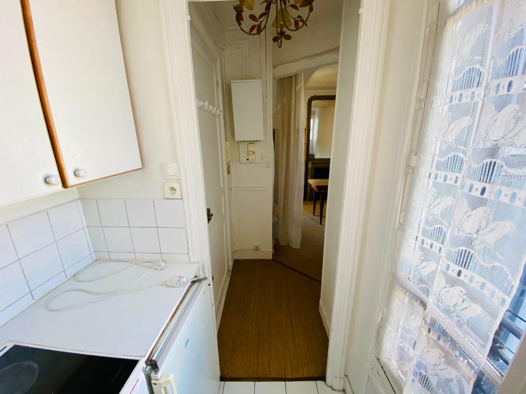 Appartement PARIS 18 – 1 pièce(s) – 18m² 4