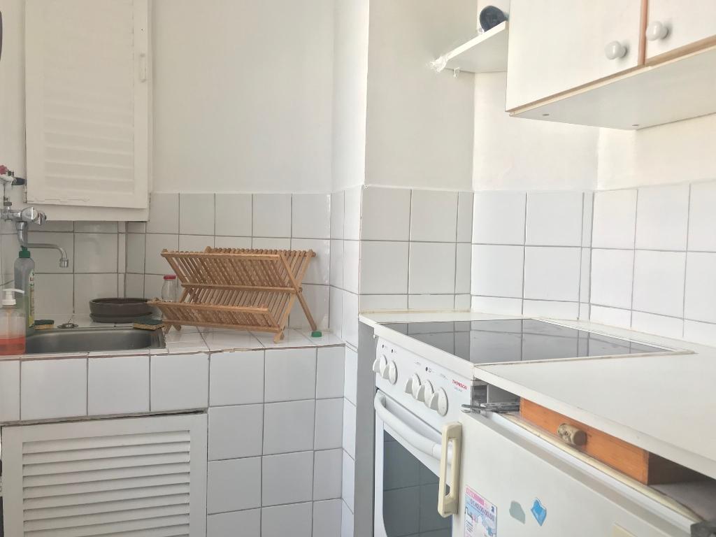 Appartement PARIS 18 – 1 pièce(s) – 18m² 5