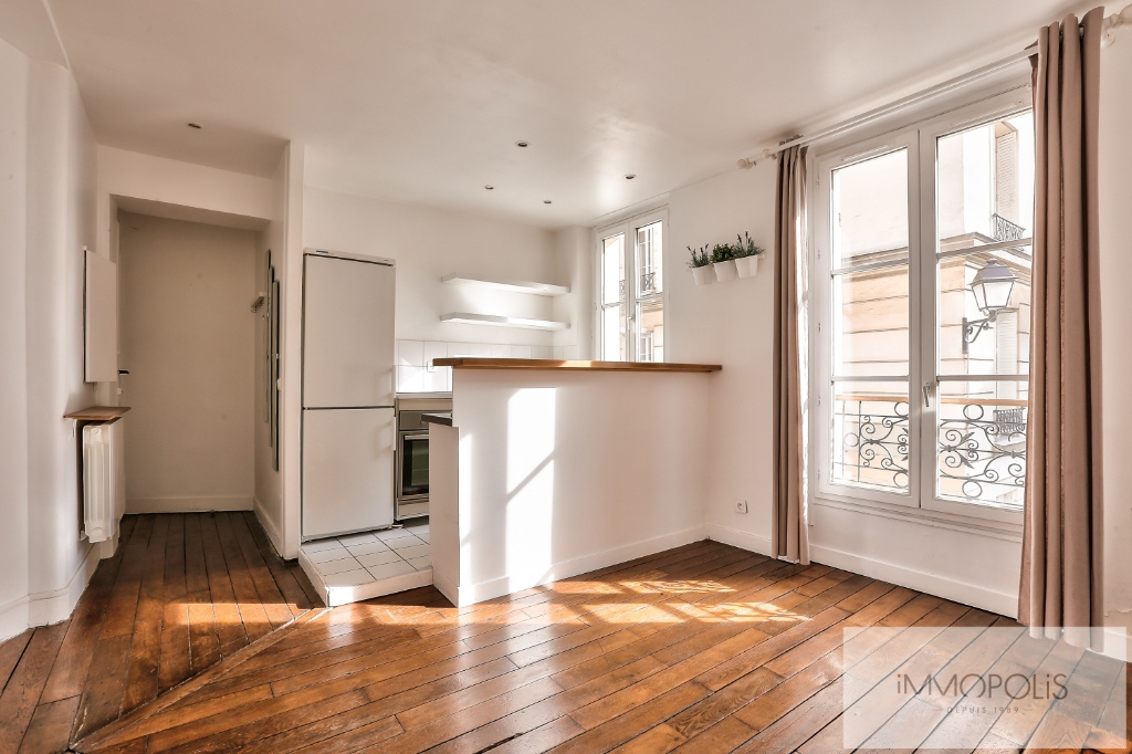 Rue Ravignan Two rooms of 32 m2 2