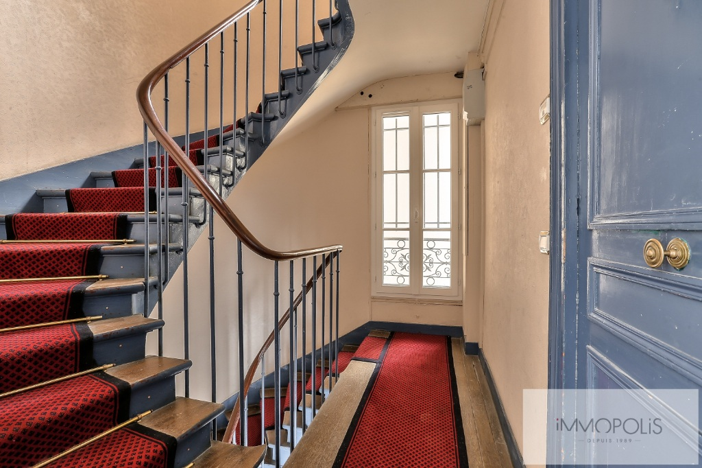 Rue Ravignan Two rooms of 32 m2 8