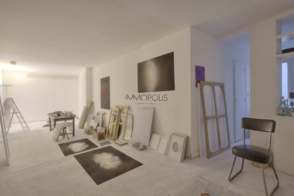 Soundproof Atelier / Open – Space of 49 m² of course placed in Montmartre! 7