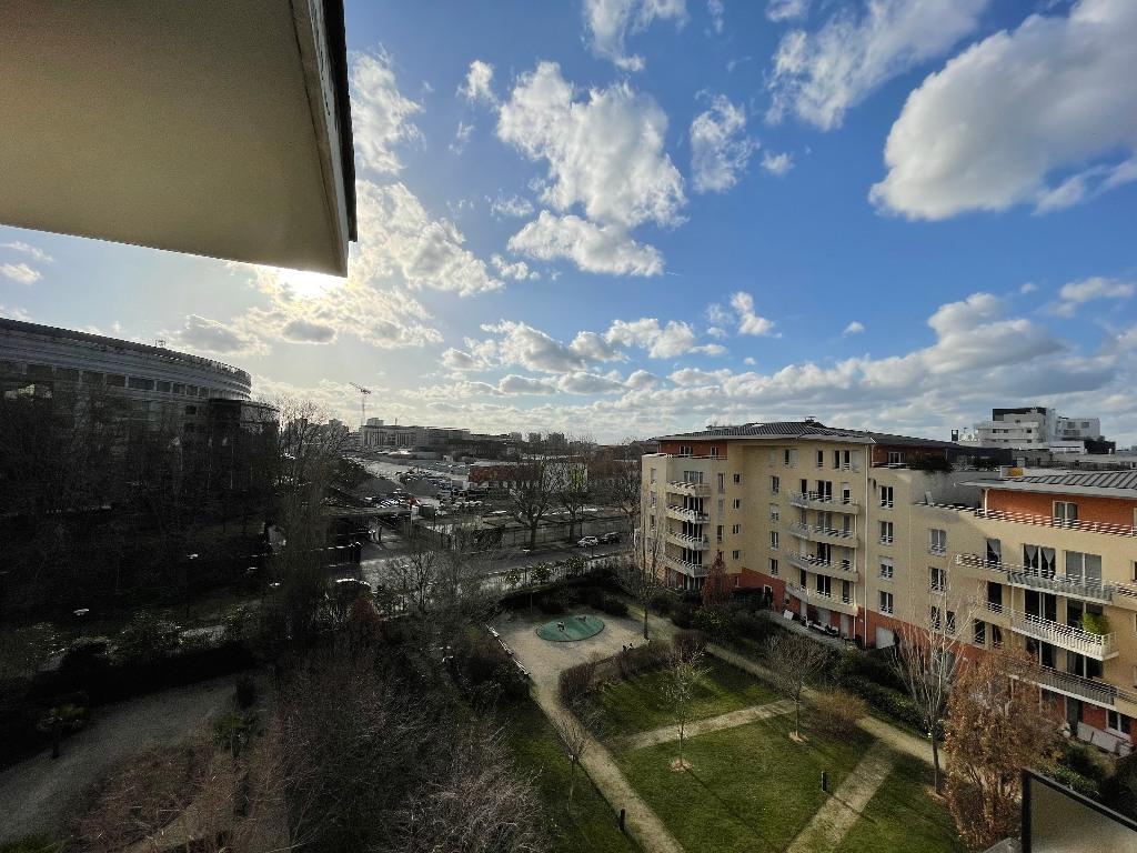 Apartment 4P Saint Denis / Pleyel Last floor + terraces + 2 parking spaces! 1