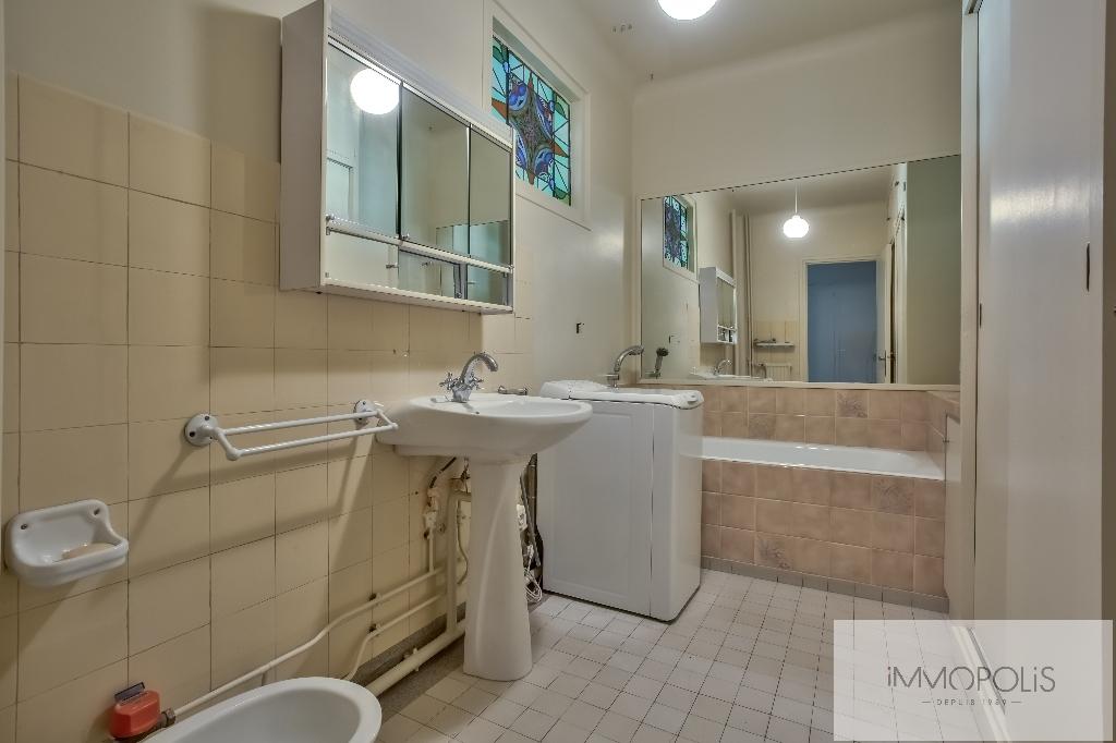 Montmartre, rue Caulaincourt, bel appartement de 76 M² en 2e étage avec ascenseur, beaux volumes ! 7